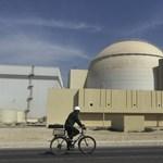 Irán továbbra is bízik az atomszerződésben