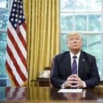Trump: Az ügyvédem csak azért vallotta magát bűnösnek, hogy zavarba hozzon