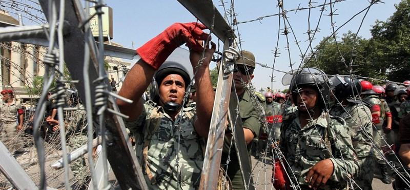 Katonai puccs zajlik Egyiptomban?