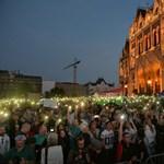 Nem hagyhatjuk, hogy olyan legyen az ország, mint Felcsút - újra tüntettek Orbánék ellen