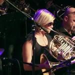 Húsz zenészből álló big band lép fel az A38 hajón