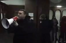 Tüntetők foglaltak el egy kormányzati épületet Örményországban