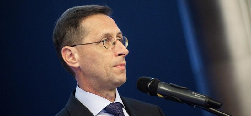 Varga Mihály: Már az államadósság negyedét a magyar emberek finanszírozzák