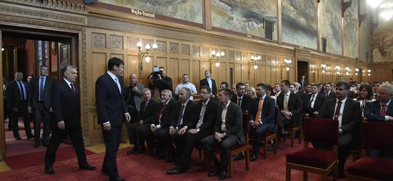 Soha ennyi államtitkára nem volt még Orbánnak se