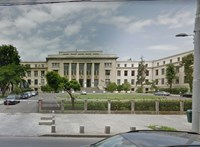 Tömeges vizsgacsalás miatt repülhet 49 elsőéves joghallgató a Bukaresti Egyetemről