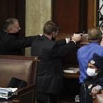 A tőzsdék szárnyaltak, miközben véres összecsapások zajlottak az amerikai törvényhozásban