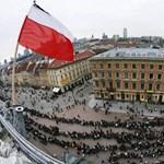 Felminősítésre vár Lengyelország, erősödhet a zloty