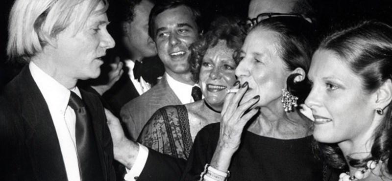 91d685018b Kult: Andy Warhol és a Vogue nagyasszonya 1977-ben - HVG.hu