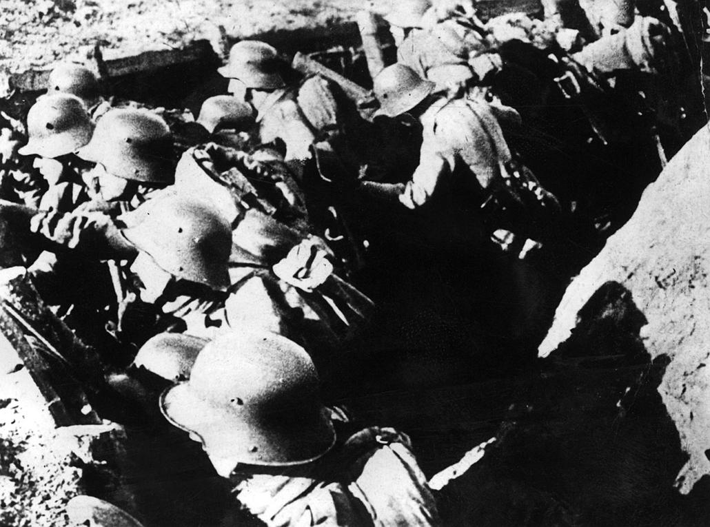 afp.1916. - Német katonák támadás előtt.  - 1916. február 21. - Verduni csata - yyyyy