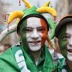 Az ír nép lett a magyar kormány hőse