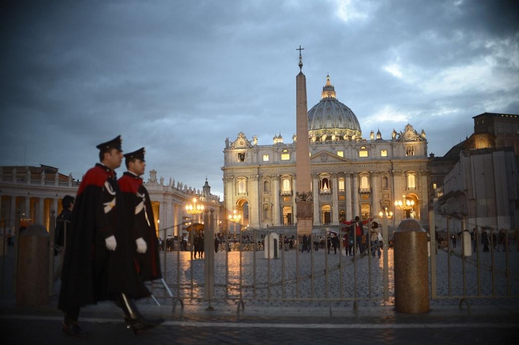 Szent Péter-bazilika - pápaválasztás előkészületei - pavalko