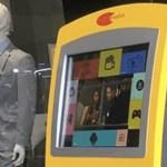 Azt hitték, ez egy ATM, aztán kiderült: pénzt és pendrive-ot kér, majd filmeket ad cserébe