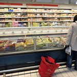 Élelmiszerbotrány: Brüsszeltől és a vásárlóktól is segítséget kér a miniszter