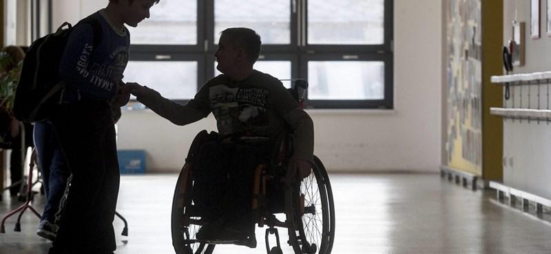 Igazolatlan járhat, ha a betegszállító miatt késik a gyerek