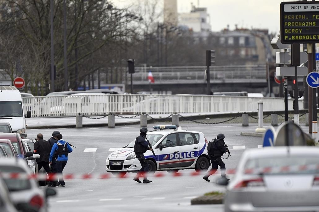 afp. Saint-Mandé, kóser bolt, Párizs - lövöldözés Párizsban, Párizsi vérengzés, Charlie Hebdo, túszejtés, túszdráma, Dammartin-en-Goele, 2014.01.09.