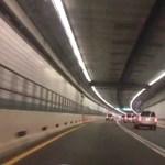240 km/h tempóval az óceán alatti alagútban – bajba kerülhet a Top Gear