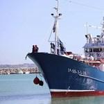 Lefoglaltak egy spanyol civilhajót is az olasz hatóságok