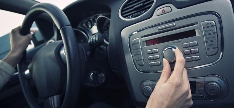 2020-ra eltűnnek a hagyományos rádiók az autókból?