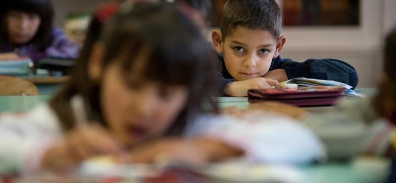 Minden reggel kötelező a himnusz az iskolákban – több országban döntöttek
