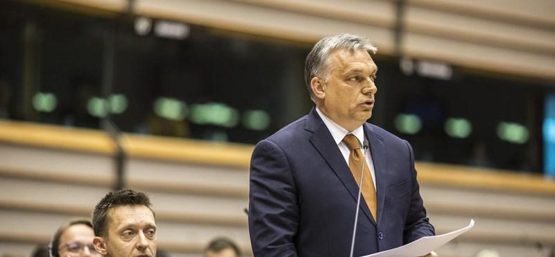 A Néppárt elnöksége keményen odacsapott, Orbán megadta magát