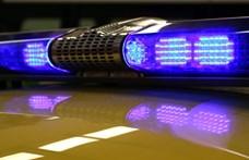 Busszal ütközött egy autó Kisfaludnál, ketten meghaltak