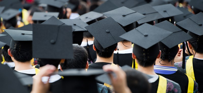Nyolc dolog, amit minden friss diplomás átél
