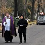 Halottakkal üzletelt a lecsukott szőci polgármester