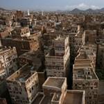 Folytatódik a polgárháború: kiújultak a harcok Jemenben
