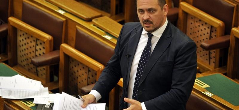 Maffiavád: Polt Péter kezdeményezi Mengyi Roland mentelmi jogának felfüggesztését