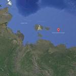 Óriási jégtorlasz fogságába került egy egész orosz hajókaraván