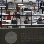 """Már egymilliárd forintot """"hitelezett"""" a Semmelweis Egyetem az államnak"""