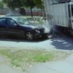 Mercedes és kukásautó karambolozott Szegeden, lerepültek róla a dolgozók – videó