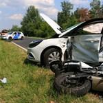 Nem vette észre az idős sofőr a motorost – halálos baleset lett belőle