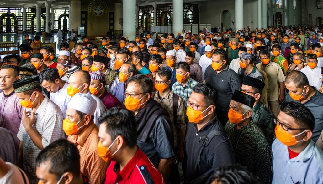 MAGYÍTÁS NE HASZNÁLD Imádkozás maszkban