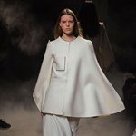 Ez a divat: aszimmetrikus kabát
