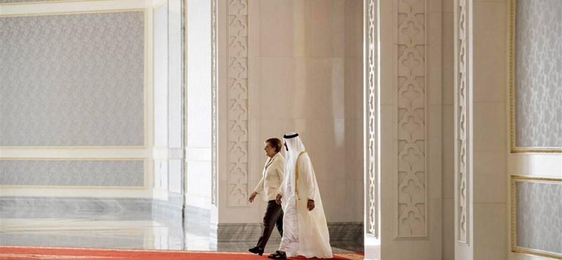 Lövöldözés volt a szaúdi királyi palotánál, ketten meghaltak