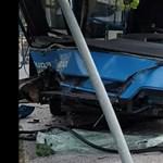 Baleset történt a Szarvas térnél, az 5-ös busz eleje leszakadt
