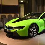 Abu-Dzabiban nem szégyenlősködnek, hogy a BMW i8-at is saját ízlésükre szabják