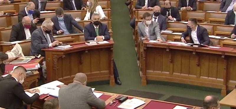 Az ellenzék soraiban ülő képviselők segítettek be a Fidesznek a keddi szavazásnál