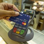 A BKK bevezeti a kártyás fizetést a buszokon