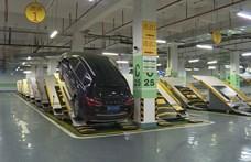 Szokatlan módszerrel spórolnak 60 százaléknyi parkolóhelyet Kínában