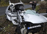 Az Üllői út közepén szállt le a mentőhelikopter a Csobánkán megsérült hároméves gyerekkel