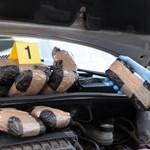 33 kiló kokainnal kibélelve vett használt autót egy férfi