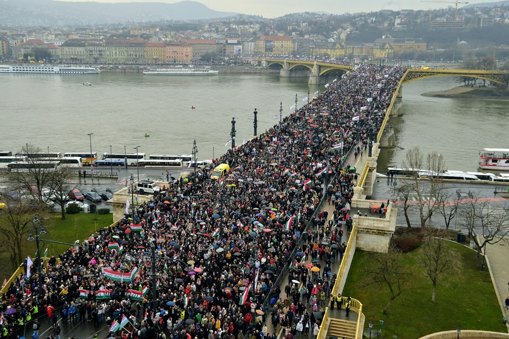tg.18.03.15. - 2018marcius15 - Békemenet rakpart  margit híd