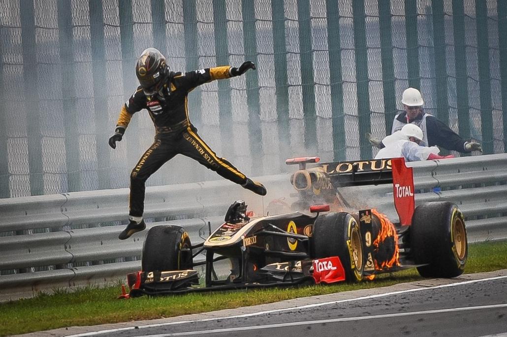 Sajtófotó 2011 - Nagyítás-fotógaléria - Sport - egyedi - 2. helyezett: Megálló