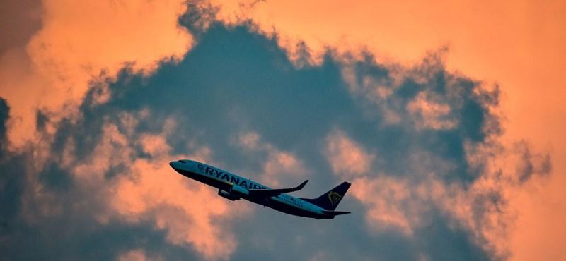 Állóhelyek a repülőn, drágább jegy a kövéreknek – min spórolhatnak még a fapadosok?