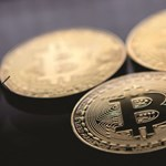 Aminek jót tett a koronavírus: történelmi csúcson a bitcoin