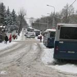 Nem kap igazolatlan órát, aki a havazás miatt késik az iskolából
