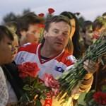 Fotógaléria: szurkolók virrasztanak a Lokomotiv Jaroszlavl stadionja előtt