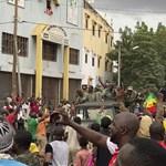Lemondott a mali elnök, miután lázadó katonák őrizetbe vették
